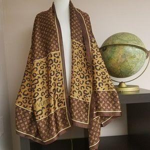 New large silk Louis Vuitton scarf